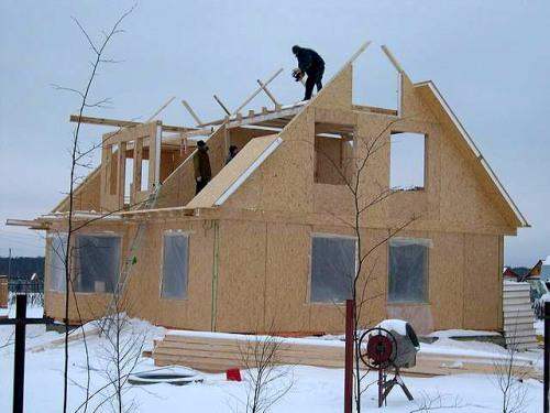 Строительство зимой. За и против