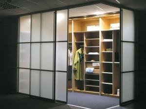 Гардеробная комната: прихоть или необходимость?