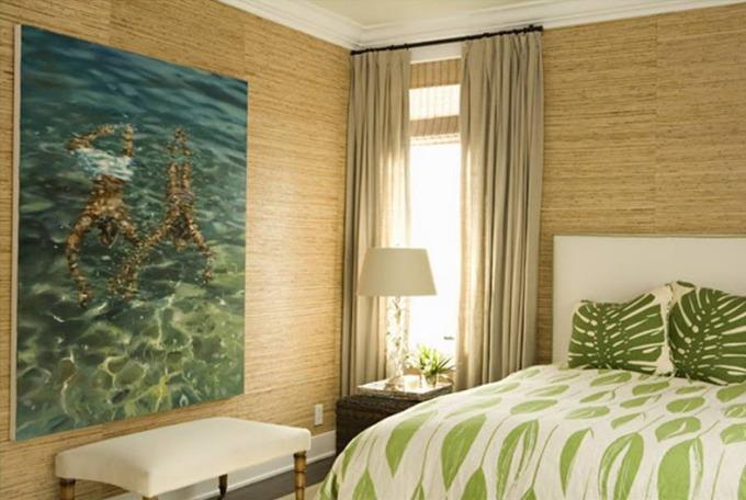 Бамбуковые обои в спальне на всех стенах