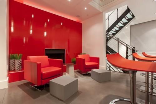 Ярко-красная гостиная