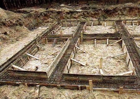 Начало бетонирования фундамента