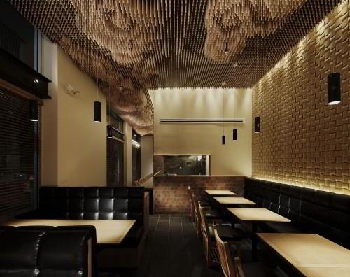 Дизайн потолка с деревянных палочек