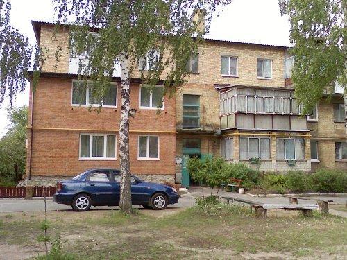 Достройка до квартиры с двух сторон подъезда