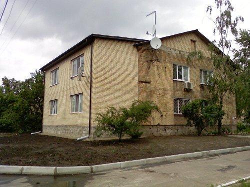 Достройка к двухэтажному многоквартирному дому