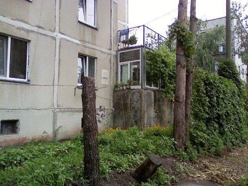 Двухэтажная достройка с летней площадкой