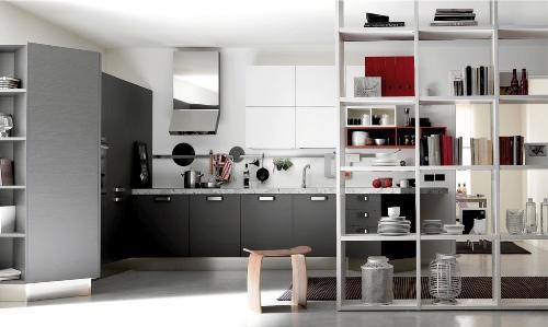 Полка-стенка на кухне