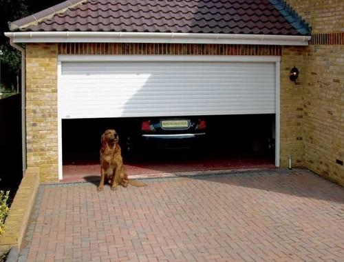 Пристроенный к дому гараж