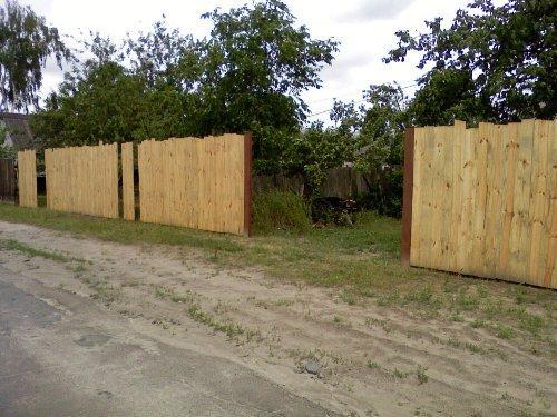 Строим забор с дерева своими руками