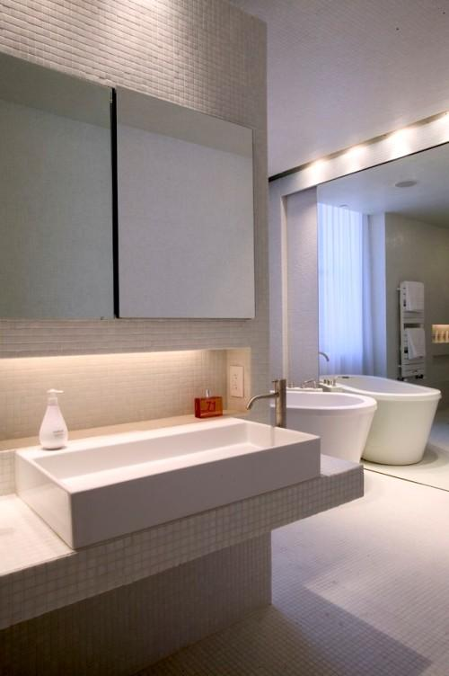Ванная комната в большом доме