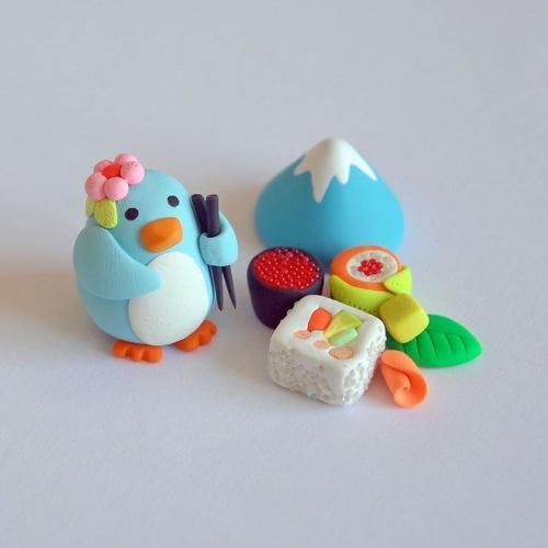 Глиняные фигурки пингвин и провизия
