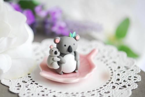 Глиняные фигурки панда и малыш