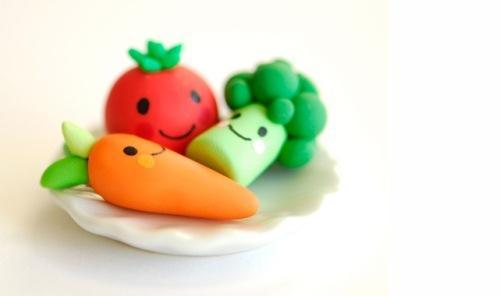 Глиняные фигурки овощи
