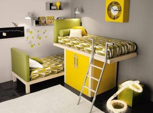 Интерьер детской спальни с кроватью над шкафчиком