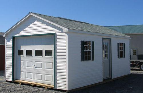 Двухскатная крыша в гараже