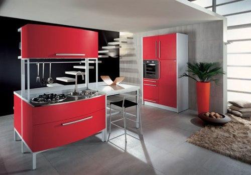 Частично красная кухня