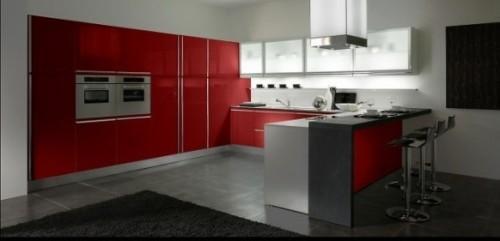 Красная кухня полностью весь фасад