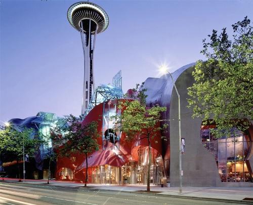 Музей научной фантастики в Сиэтле, США. Главный вход