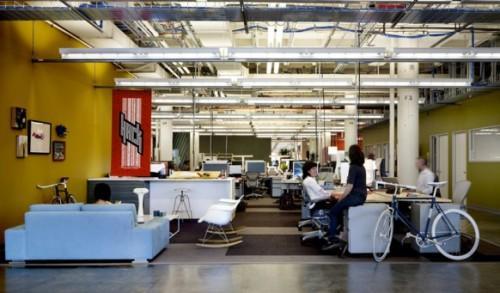 Новый дизайн офис Facebook для свободной работы