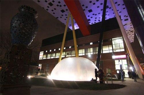 OCAD - университет искусства и дизайна в Канаде. Вид ночью