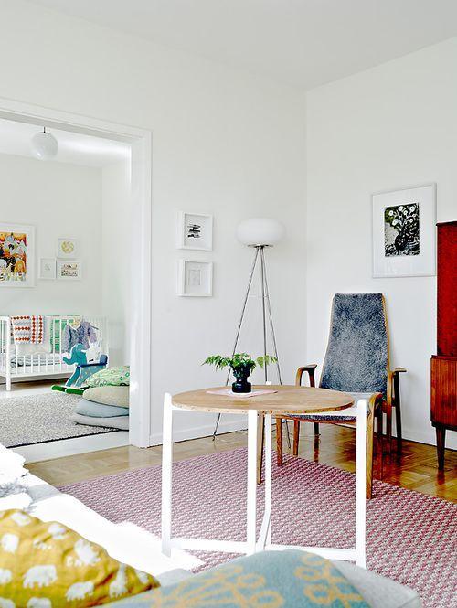 Столик в квартире