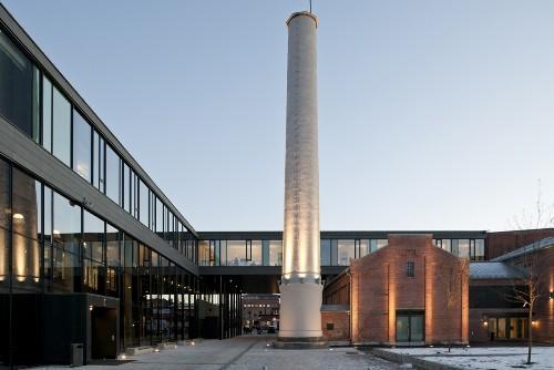 Школа F21 в Осло. Преобразование промышленного экстерьера