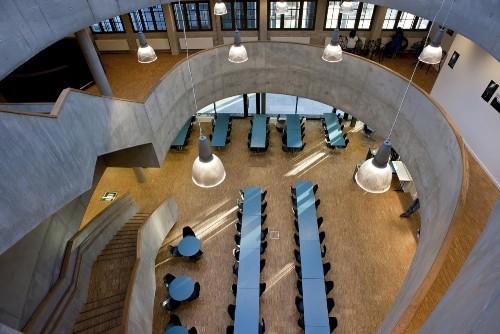 Школа F21 в Осло. Столовая или кафетерий