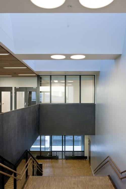 Школа F21 в Осло. Большая лестничная клетка
