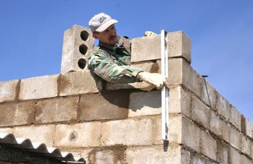Строим гараж из шлакоблока своими руками