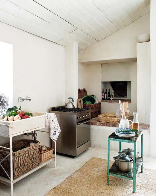 Загородный дом Monica Penaguiao. Кухня для хозяйки