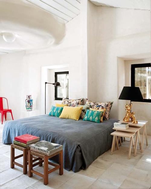 Загородный дом Monica Penaguiao. Спальня