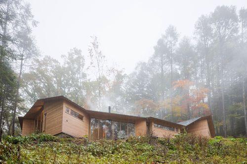 Деревянный дом-лабиринт