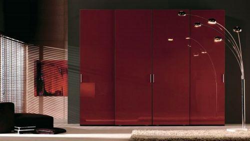 Красный шкаф-купе