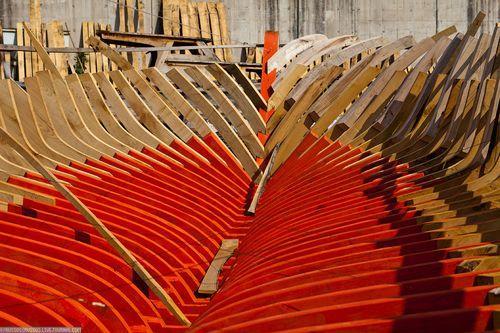 Покраска каркаса лодки