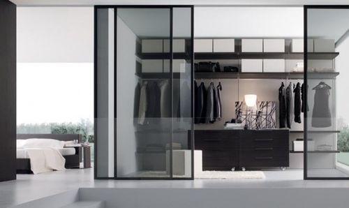 Гардероб со стеклянной дверью