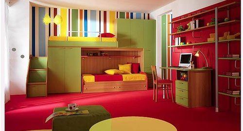 Яркие цвета в детской комнате