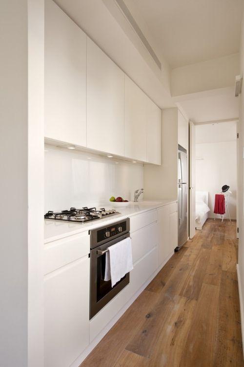 Кухонная зона в однокомнатной квартире