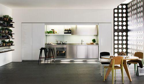 современный светлый интерьер кухни
