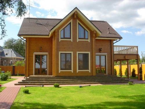 Строим загородный дом из бруса