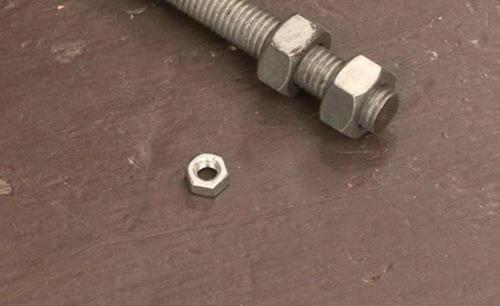 Как открутить гайку без гаечного ключа?