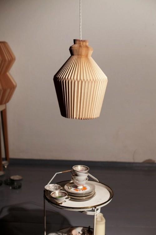 деревянная люстра-баян