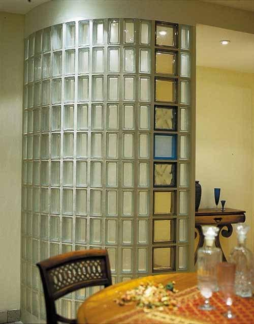 Округлая стена из стеклоблока