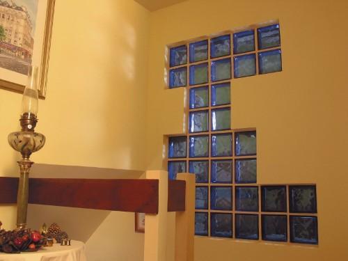 Стеклоблок в стене