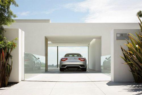 Авто в доме