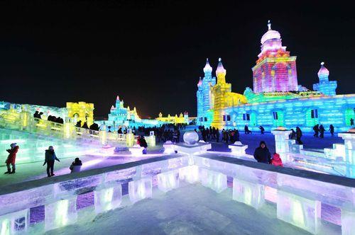 Ночной ледяной город