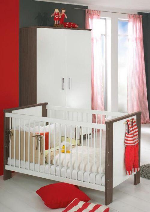 Детская кроватка в интерьере комнаты