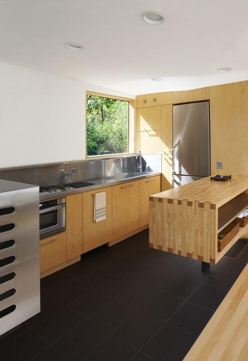Кухня в коттедже Koby