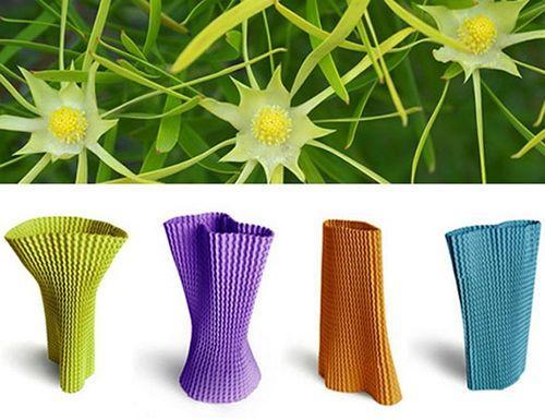 Разноцветные вазы