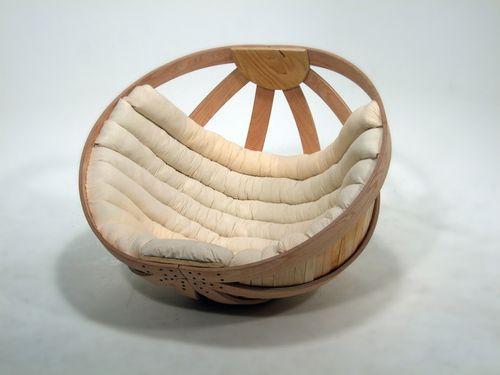 Оригинальное кресло-качалка Cradle