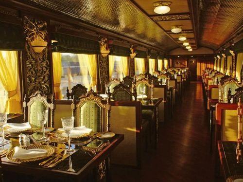 Ресторан в поезде