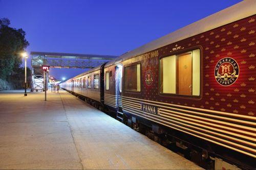 Роскошный поезд в Индии